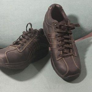 SKECHERS Leather Shape Ups